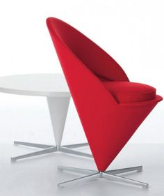 This cone shaped panton chair is a true piece of art. Guaranteed to add glamour and beauty to your living space, the panton cone chair is a must buy for those of you who appreciate modern classics Bedroom Chair, Sofa Chair, Master Bedroom, Panton Chair, Modern Bedroom Decor, Take A Seat, Modern Spaces, Modern Table, Modern Classic