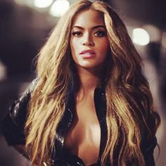 Shared by Yoncé is back. Find images and videos about gorgeous, Queen and beyoncé on We Heart It - the app to get lost in what you love. Beyonce Style, Beyonce And Jay Z, Beyonce Makeup, Beyonce Knowles, Queen B, Hair Goals, Sexy, Hair Makeup, Hair Beauty