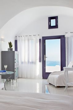 Ideas for honeymoon suites in Santorini Honeymoon Hotels, Honeymoon Suite, Santorini Hotels, Santorini Greece, Interior Architecture, Interior Design, Beautiful Hotels, Luxury Life, Bed And Breakfast