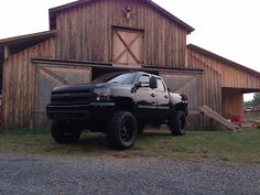 Love.  So badly want a blacked out truck.