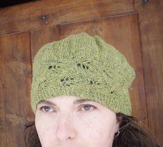 Embossed leaves hat by KelaMaiMai Designs - free