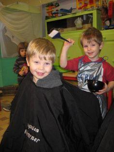 2011 Jan : Thema de kapper (juf Tinneke