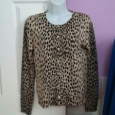 J.CREW SWEATER..100% wool SWEATER Animal print...Like new condition..no flaws..good for now or the coming months.. J. Crew Sweaters