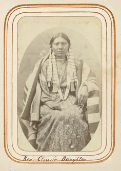 Daughter of Red Cloud - Oglala - circa 1877 Native American Pictures, Native American Women, Native American History, Native American Indians, Native Americans, Oglala Sioux, Native Indian, Red Indian, Historical Pictures
