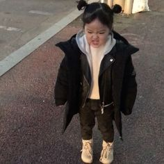 Korean Baby Girl With Brother 66 Super Ideas Cute Baby Meme, Baby Memes, Cute Funny Babies, Funny Kids, Cute Kids, Cute Asian Babies, Korean Babies, Asian Kids, Cute Little Baby