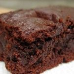 The Best Fudgy Paleo Brownies (Easy Recipe!) I have experimented with several Paleo brownie recipes, but this one tops the list by far. They come out of the oven very moist and chewy. Paleo Brownies, Chewy Brownies, Protein Brownies, Homemade Brownies, Flourless Brownie, Paleo Fudge, Paleo Dessert, Healthy Sweets, Dessert Recipes