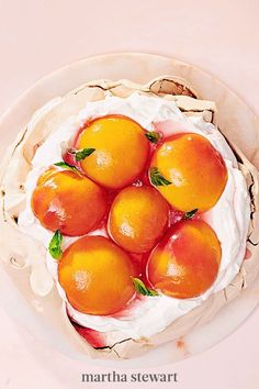Fluffy and crunch with a chewy center, this meringue-based dessert is the perfect balance to pillowy whipped cream and tender poached peaches. It doesn't hut that it's gluten free, either. Keep the leftover peach poaching liquid, as it's perfect for mixing into summer cocktails or a peachy-lemonade. #marthastewart #recipes #recipeideas #dessert #dessertrecipes Tart Recipes, Gourmet Recipes, Dessert Recipes, Gourmet Foods, Trifle Desserts, Fruit Dessert, Peach Sorbet, Ripe Peach, Peach Slab Pie