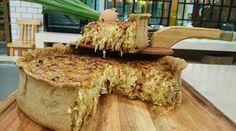 Tarta de cebolla caramelizada, puerro y queso