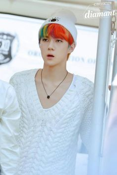 sports shoes 6ac74 59795 Sehun is like a Angel, one with very colourful hair!