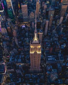 New York City has no bad angles. Empire State Of Mind, Empire State Building, New York Quotes, New York Wallpaper, New York Washington, City Quotes, Voyage New York, Cityscape Photography, Luxury Landscaping