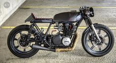 Xs750 caferacer built by Robinson's speed shop, all build enquires please contact Luke@robinsonsspeedshop.com www.facebook.com/robinsonsspeedshop