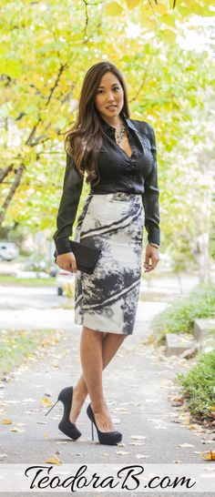 TeodoraB.com black and white #pencil #skirt. For more professional styles, visit TeodoraB.com. #office #attire #work #style #weartowork #dressforsuccess #professional #pencilskirt