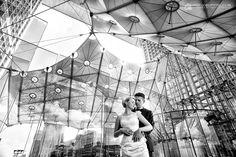 La Défense - Paryż - Francja : ślubna sesja plenerowa w Paryżu z Cecylią i Bartkiem www.grzegorzpytel.com
