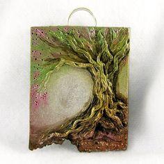 Enchanting Dreams Tree Pendant by ChickieGirlCreations, via Flickr  polymer clay ? so pretty !(puede ser en papel mache )