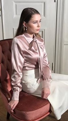 Sexy Blouse, Blouse And Skirt, Blouse Dress, Pretty Dresses, Beautiful Dresses, Satin Underwear, Casual Couture, Satin Bluse, Beautiful Blouses