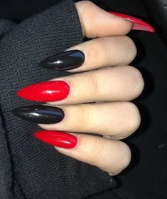 Grunge Nails, Edgy Nails, Goth Nails, Aycrlic Nails, Stylish Nails, Swag Nails, Hair And Nails, Edgy Nail Art, Pointy Nails