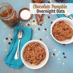 Overnight oatmeal flavored with dark chocolate and pumpkin pie spices via @teaspoonofspice