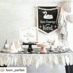 Feast your swan-loving eyes on this gorgeous party by @fawn_parties !! That glittered feather garland. The swan canvas wall hanging. Fringe party hats. Perfection! Hop over to @fawn_parties post for a list of vendors.  (If you're a swan lover, I even have a feathered swan pinata to match! ) #swanparty #feathergarland #wallhanging #swandecor