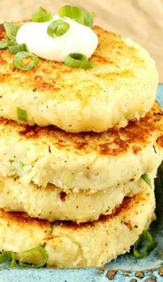 Mashed Parmesan Potato Cakes have a crispy outside and fluffy, creamy inside. Enjoy them plain or load similar to loaded potato skins with cheddar, bacon, green onions and ranch dressing. Vegetable Side Dishes, Vegetable Recipes, Vegetarian Recipes, Cooking Recipes, Healthy Recipes, Mashed Potato Cakes, Mashed Potatoes, Potato Pancakes, Good Food