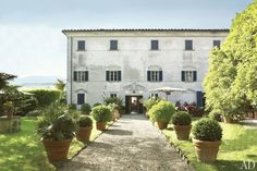 Dede Pratesi's 17th-Century Family Villa in Tuscany Photos | Architectural Digest