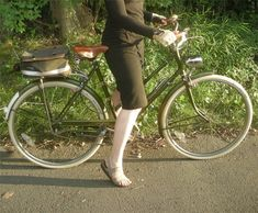 "Lovely Bicycle!: Review of ""Lucy 3-Speed"": Raleigh Lady's Sports"