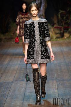 Dolce & Gabbana Outono-Inverno 2014-2015 - Prêt-à-porter - http://pt.flip-zone.com/fashion/ready-to-wear/fashion-houses-42/dolce-gabbana-4602 - ©PixelFormula