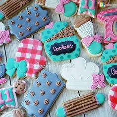 """251 Likes, 9 Comments - Sarah Robertson (@sugarcrushcookiessarah) on Instagram: """"*NOT MY COOKIES* Look at these!!! Go follow my friend @cookiesbyliz She always the cutest cookies.…"""""""