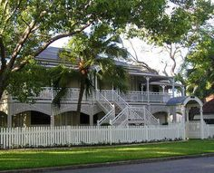 Traditional Queenslander home here in QLD. My absolute fav in homes!