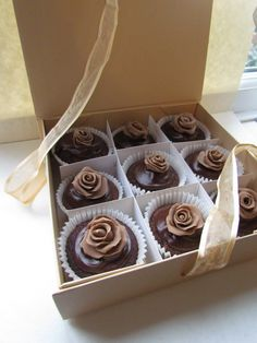 Perfect for weddings! Chocolate Cupcakes by LucysCakeBoutique, £27.50