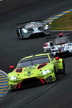 Aston Martin Vantage, Race Car Track, Race Cars, Sports Wallpapers, Car Wallpapers, Top Sports Cars, Martin Car, Racing Car Design, 24h Le Mans