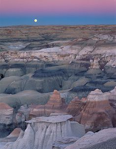 North Dakota Badlands. We cant get enough of their surreal beauty!