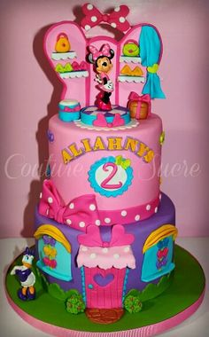 Minnie's Bow-tique cake by Couture Sucre