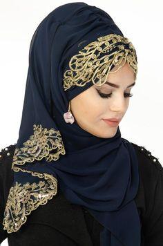 Aişe Tesettür - Lacivert Gold İşlemeli Güpürlü Hazır Şal Bridal Hijab, Disney Wedding Dresses, Hijab Bride, Muslim Brides, Pakistani Wedding Dresses, Wedding Hijab, Turban Hijab, Hijab Dress, Arabian Beauty Women