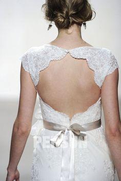 Robe de mariée découpée décolletée en V sirène moulante à traîne Court à dos nu avec dentelle aux épaules - PERSUN GARMENT CO.,LTD.