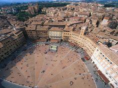 Piazza del Campo Siena Tuscany Italy Wallpaper
