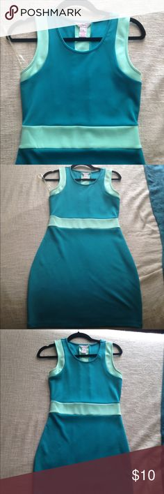 🍭Colorblock Body Con Scuba Dress🍭 Size small. Blue & Mint. 🍭🍭🍭Any three lollipop listings for $10! Candie's Dresses Midi