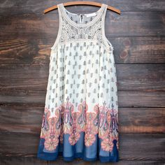 vanity vintage lace flowy dress Dresses are back in a big way, & this Texas implant is very grateful--pair with wedges or sandals to stay cool on hot days