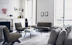 One of fashion's favourite architects has dressed his Paris apartment in the   new minimalist style, with clean lines softened by a tactile mix of materials