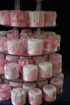 Pink and white mini cakes - so adorable! #wedding #minicake #pink #weddingcake #desserttable