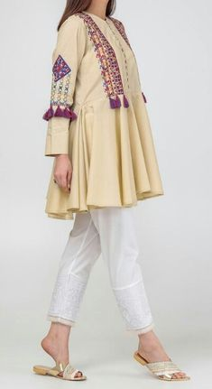 Pakistani Fashion Casual, Pakistani Dress Design, Pakistani Outfits, Baby Dress Design, Frock Design, Frock Fashion, Fashion Dresses, Kurta Designs, Blouse Designs