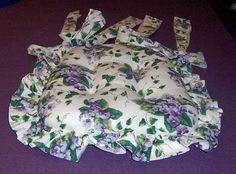TWO WAVERLY SWEET VIOLETS CHAIR CUSHIONS WITH TIES Sweet Violets, Dining Chair Cushions, Attic, Aunt, Ties, Purple, Green, Crafts, Loft Room