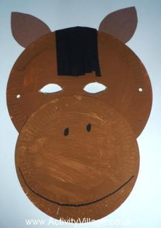 easy craft horse horse mask craft making this horse mask involves all sorts Barn Wood Crafts, Horse Crafts, Animal Crafts, Crafts To Make, Easy Crafts, Crafts For Kids, Craft Kids, Paper Plate Crafts, Paper Plates