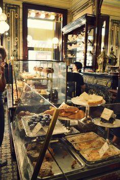 Confectionery shop in Vienna, Austria. confectionery shop in vienna Bakery Cafe, Paris Bakery, Rustic Bakery, Cafe Bistro, Cafe Bar, French Bakery, French Cafe, Bakery Design, Cafe Shop