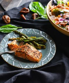 Ingredients 2 salmon fillets (4-6 ounceseach) minced garlic - 1 tsp 1 tablespoon minced fresh basilor1 teaspoon dried basil, crushed 1 tablespoon olive oil