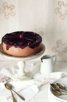 Kanela and lemon: yogurt and chocolate cake Chocolate Yogurt, Chocolate Recipes, Chocolate Cake, Sweet Recipes, Cake Recipes, Dessert Recipes, Chocolate Pictures, Biscuits, Un Cake