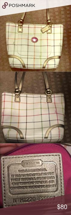 Coach Tote bag Tote bag. Used 2xs. No signs of wear and tear Coach Bags Totes