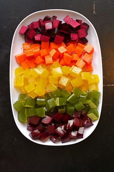 Fruit and Vegetable Juice Gummy Snacks ~ homemade gummies made from fruits and veggies.a healthy snack kids love! Baby Food Recipes, Snack Recipes, Cooking Recipes, Healthy Recipes, Toddler Recipes, Detox Recipes, Healthy Desserts, Healthy Snacks For Kids, Healthy Treats