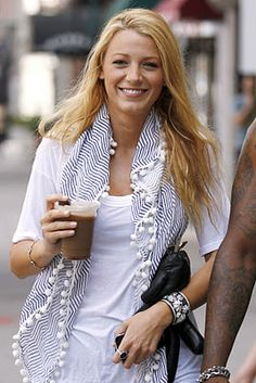Love the Tory Burch scarf, I want to make this