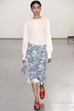 See all the Collection photos from Paul Smith Spring/Summer 2016 Ready-To-Wear now on British Vogue Paul Smith, Fashion Week 2016, Fashion Show, Fashion Design, Uk Fashion, Live Fashion, Fashion News, Spring Summer 2016, Spring Summer Fashion