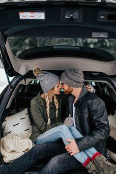 Winter Couples Shoot in the Mountains [Utah Wedding Photographer] Couple Posing, Couple Shoot, Beanie Outfit, Engagement Photo Poses, Winter Photos, Couple Photography Poses, Utah Wedding Photographers, Cute Winter Outfits, Wedding Photoshoot